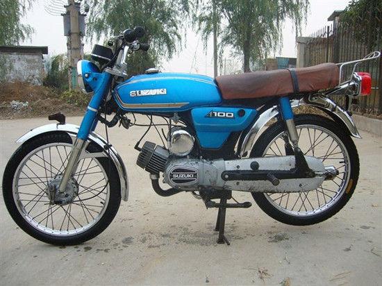 铃木a100,也算轻骑k90的大哥哥!机器,车架形式一样!